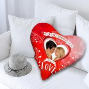 Valentin napi egyedi fényképes szív alakú párna - piros színben